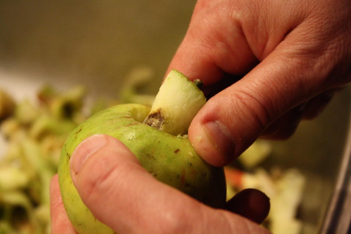 Æbleskrældning