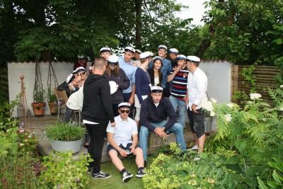 Festligt besøg i haven