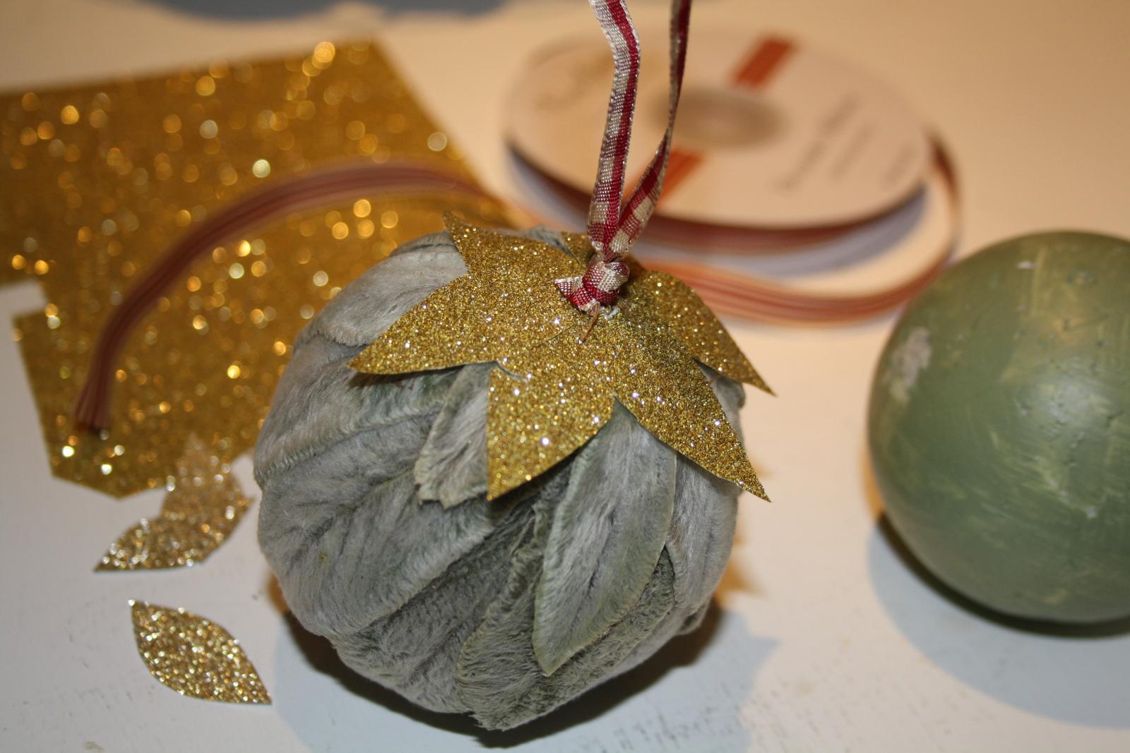 lammeørekugle med guldblade