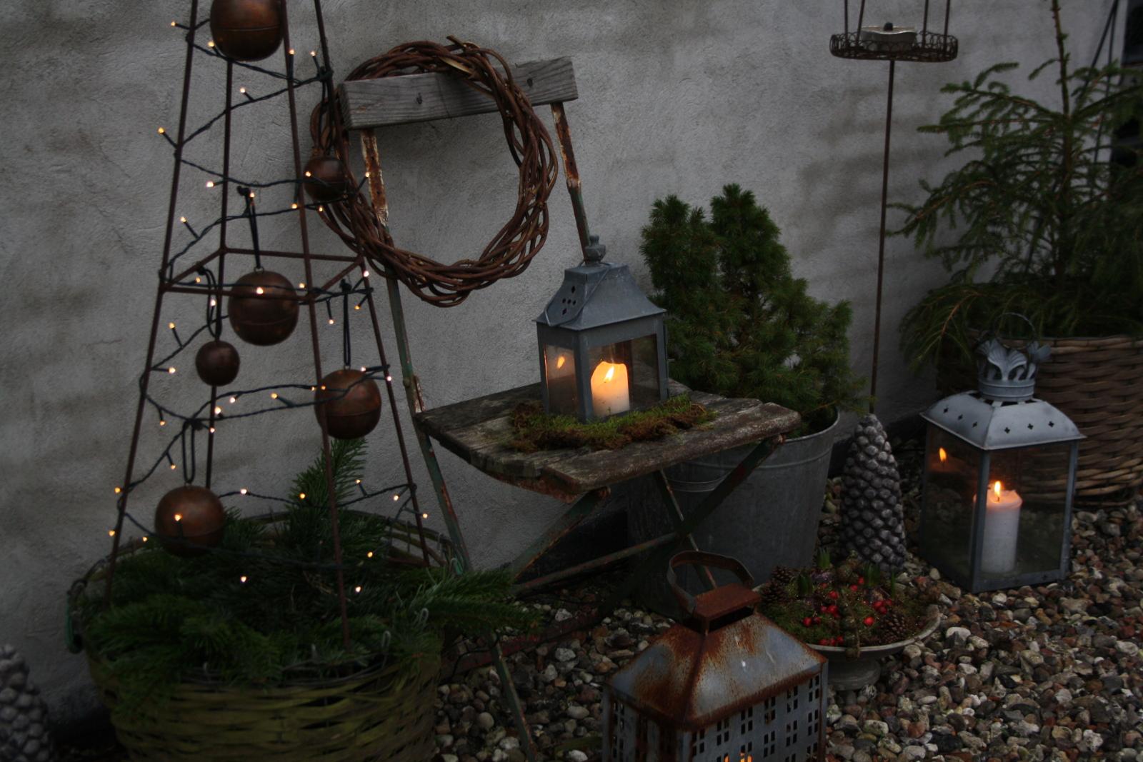 Stol og lanterner