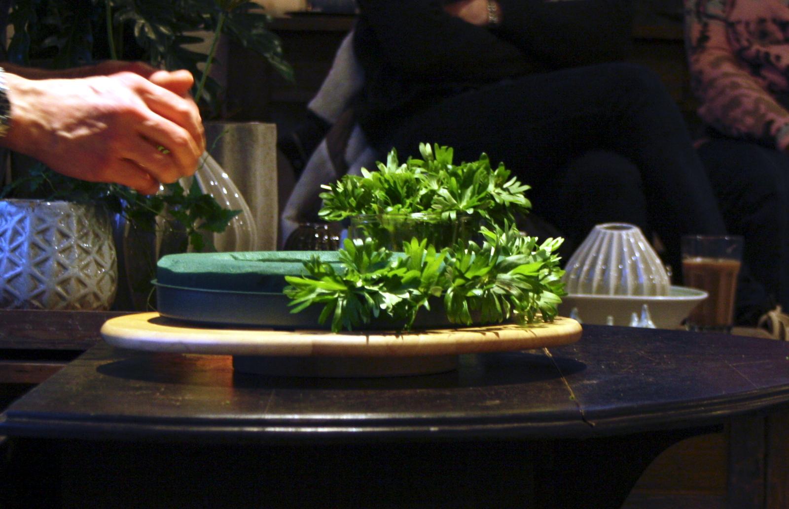 Krans med erantisblade